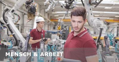 Mensch und Arbeit - Junger Mann in einer Produktionsbetrieb