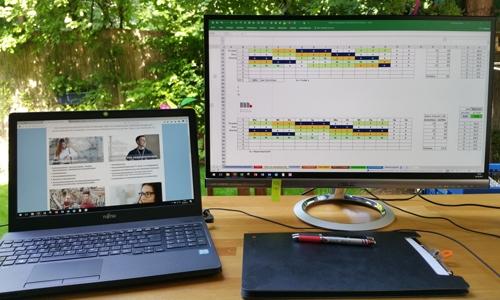 Mobiles Arbeiten - Laptop im Freien
